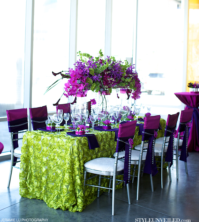 4_2014_radiantorchid_tablescape_styleunveiled