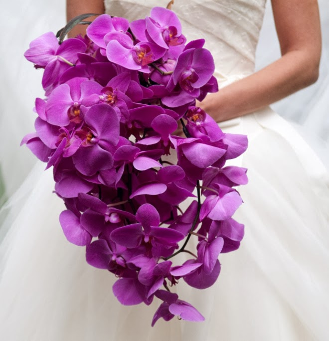 wedding-ideas-vibrant-orchid-pantone-2014-color-of-the-year-9
