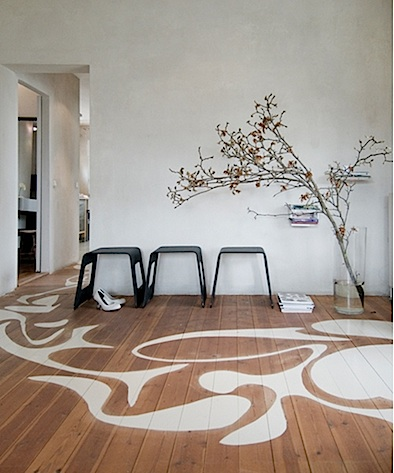 painted-wooden-floor-decorating-idea